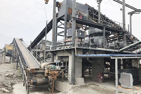 四川时产400吨河卵石破碎制砂生产线